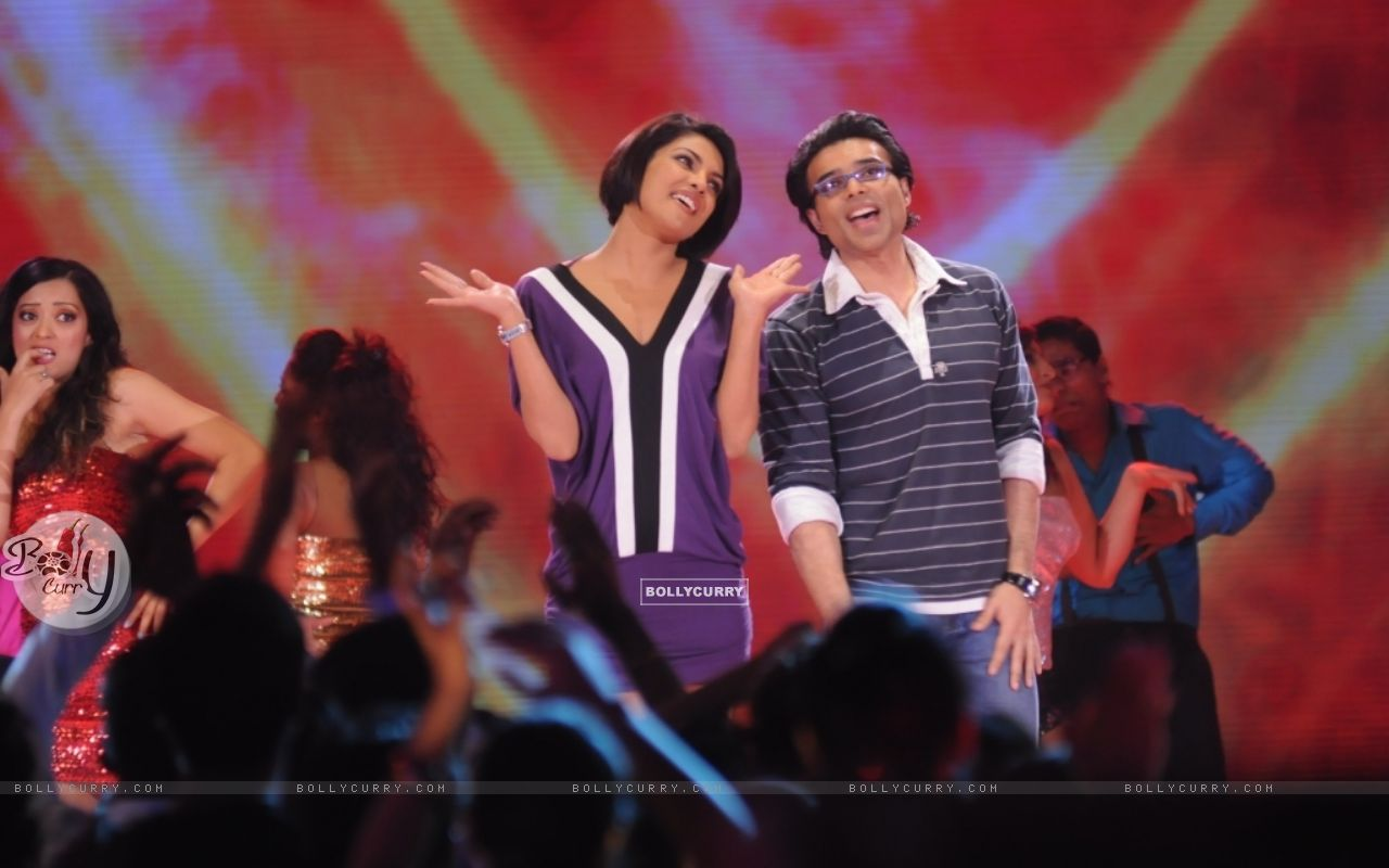 Uday and Priyanka Chopra in Music Ka Maha Muqqabla (41401) size:1280x800