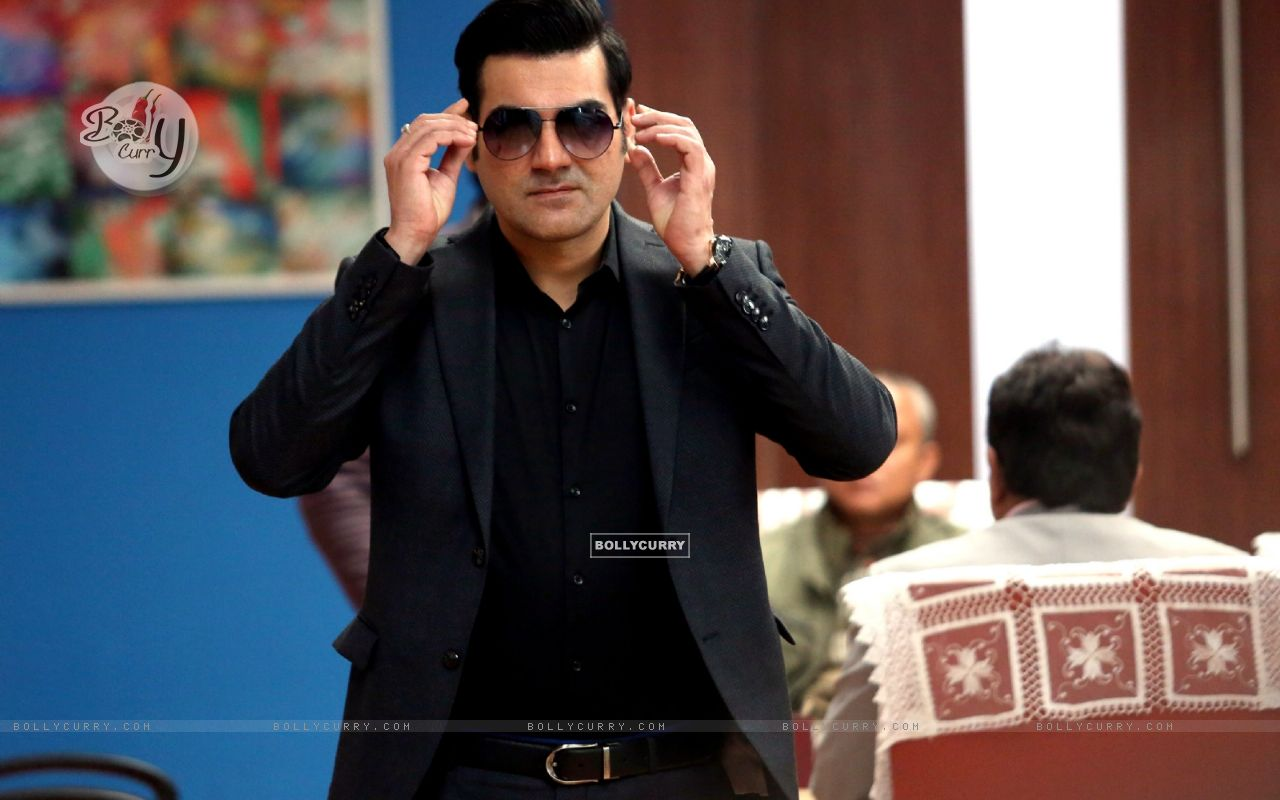 Arbaaz Khan starring Yea Toh Two Much Ho Gayaa (415567) size:1280x800
