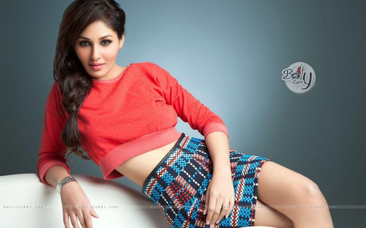Pooja Chopra starring Yea Toh Two Much Ho Gayaa (415586) size:1280x800