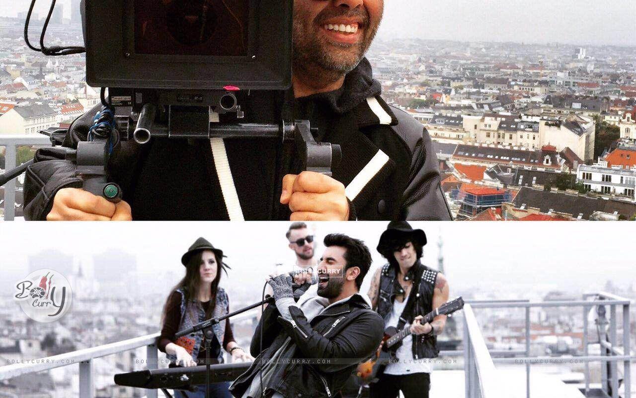 Karan Johar holds the camera for fun (420360) size:1280x800