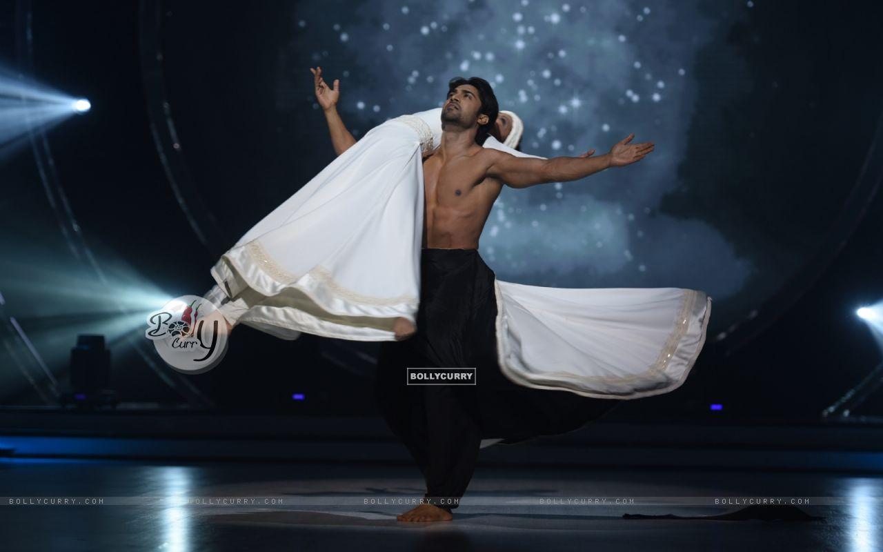 Salman Yusuff Khan (421362) size:1280x800