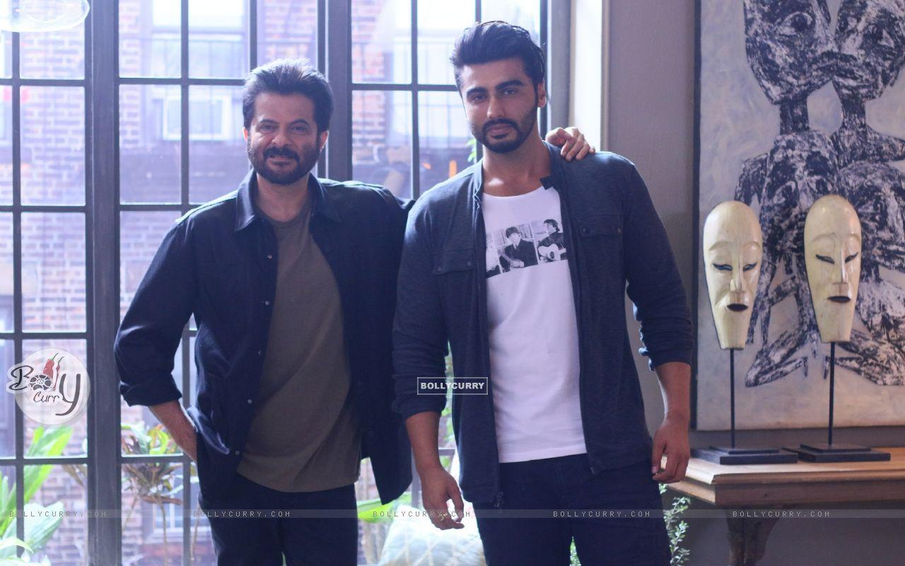 Anil Kapoor with Arjun Kapoor (421494) size:1280x800