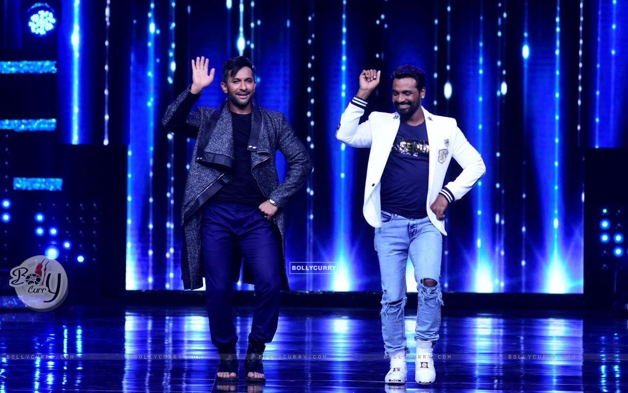 Terence Lewish and Remo D'souza on the sets of Nach Baliye 8 (429146) size:1280x800