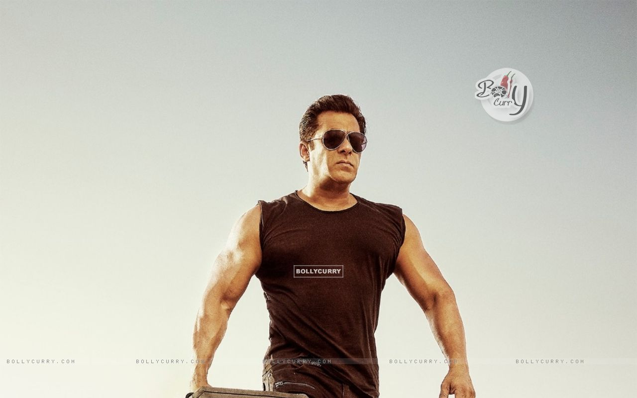 Salman Khan in Race 3 (436995) size:1280x800