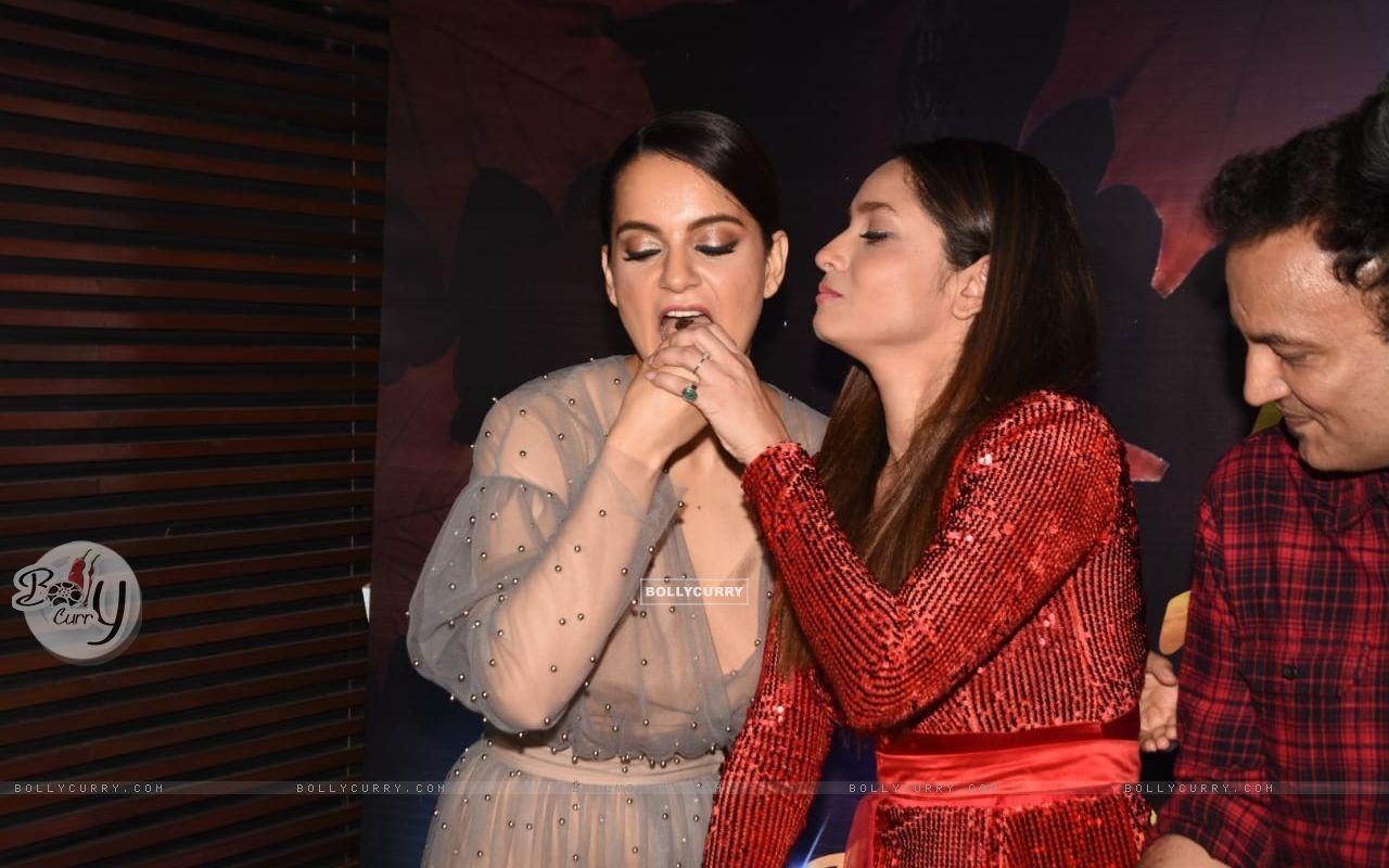 Kangana Ranaut and Ankita at Ankita Lokhande's birthday bash (441816) size:1280x800