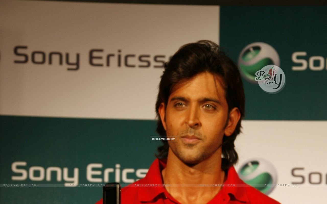 Sony Ericsson announced Hrithik Roshan as their brand ambassador for ...