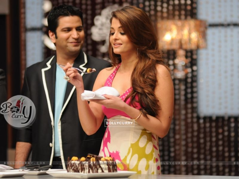 Aishwarya while tasting a special Black forest cake on the sets of Master Chef India (106737) size:800x600