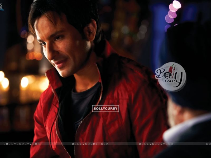 Saif Ali Khan in Red Jacket (11031) size:800x600