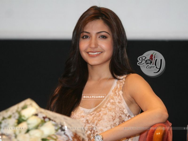 wallpapers of anushka sharma in patiala house