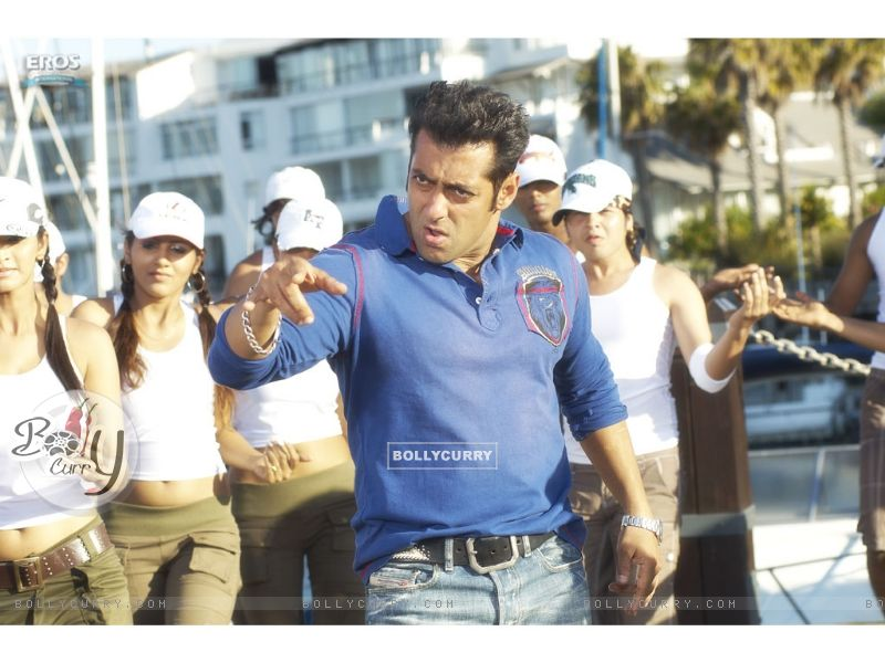 A still image of Salman Khan (11912) size:800x600