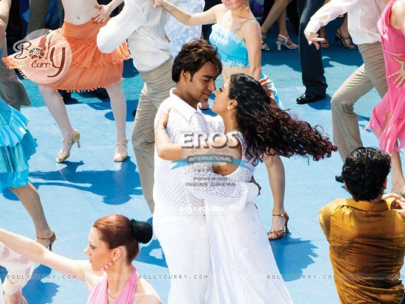 Ajay and Kajol are doing Salsa (12298) size:800x600