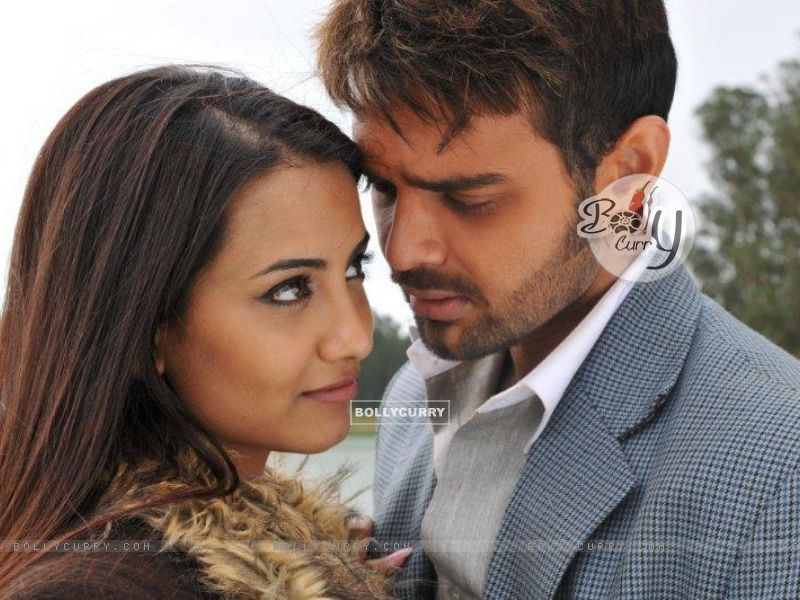 Twinkle Bajpai and Mimoh Chakraborty in the movie Haunted - 3D (124046) size:800x600
