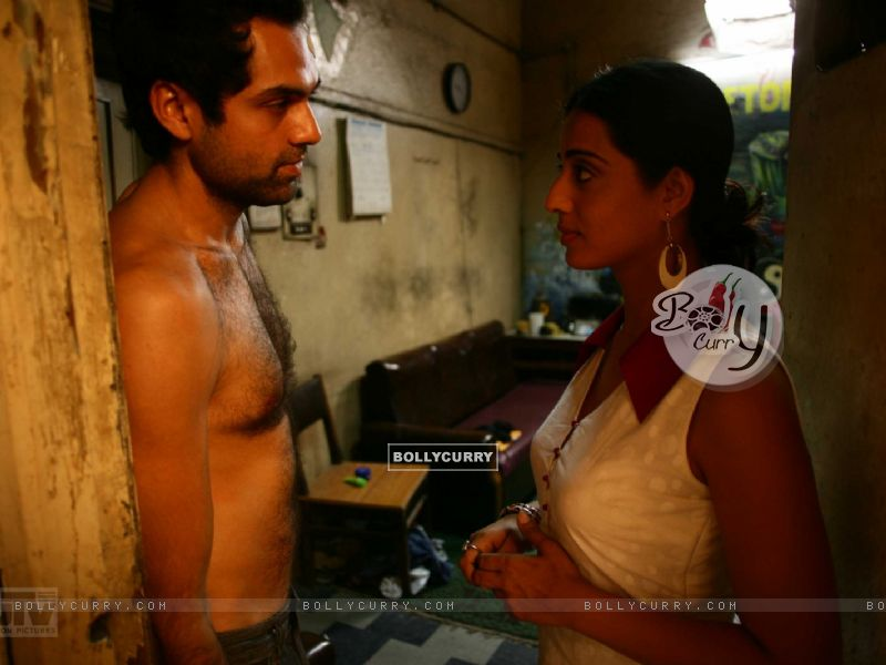 Shirtless Abhay Deol with Mahie Gill (12507) size:800x600