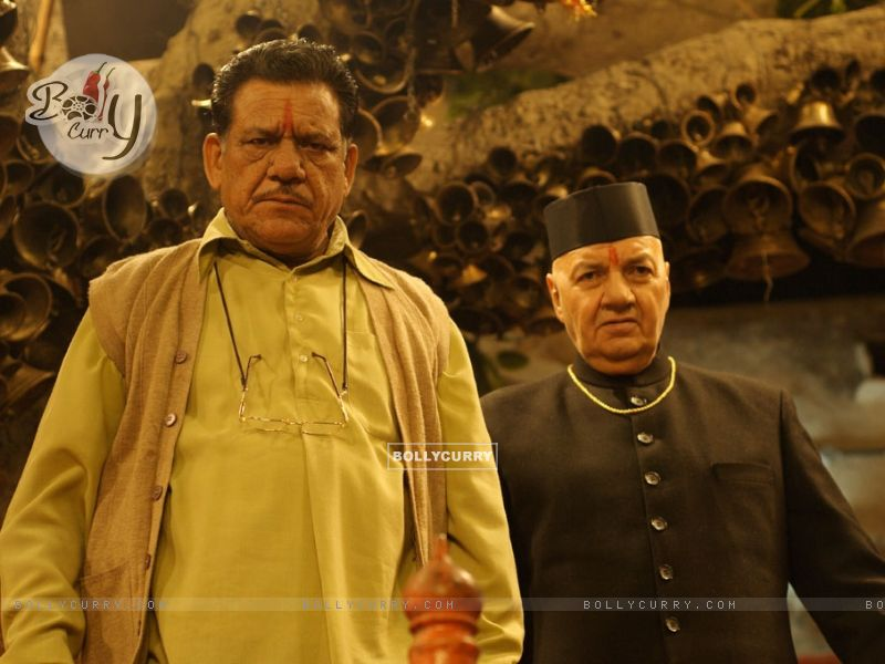 Om Puri and Prem Chopra looking angry (12578) size:800x600