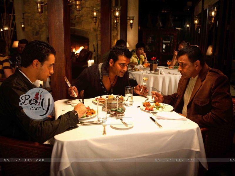 Mithun,Imraan and Ravi having their dinner (15647) size:800x600