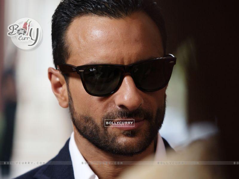 Saif Ali Khan as Vinod in the movie Agent Vinod (181830) size:800x600