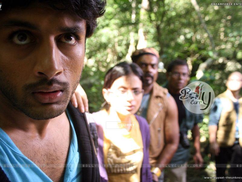 Nitin,Rasika,Kali and Ravi looking shocked (20384) size:800x600