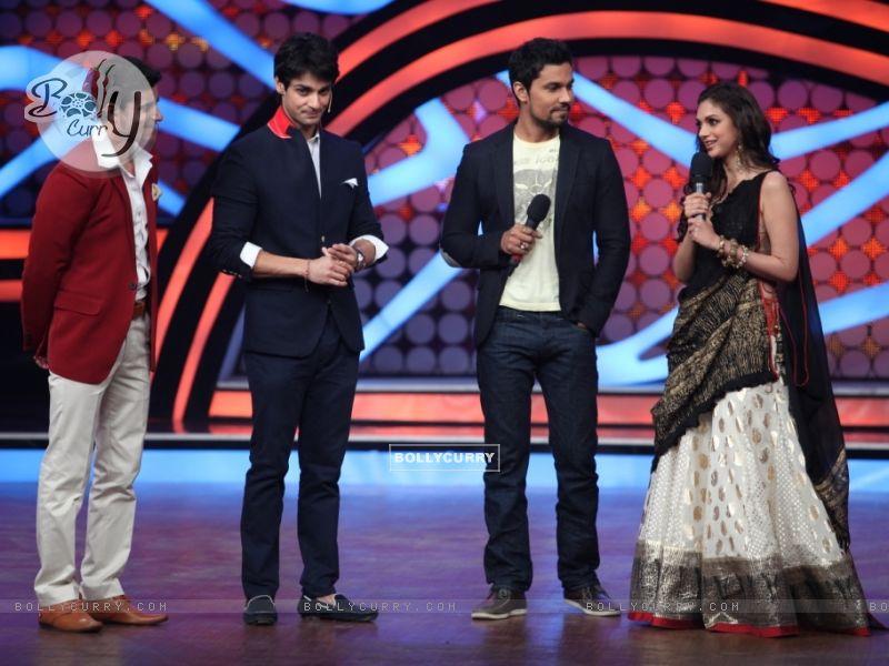 Randeep Hooda & Aditi Rao Hyderi with Gautam Rode and Karan Wahi During their promotion of Murder 3 (262155) size:800x600