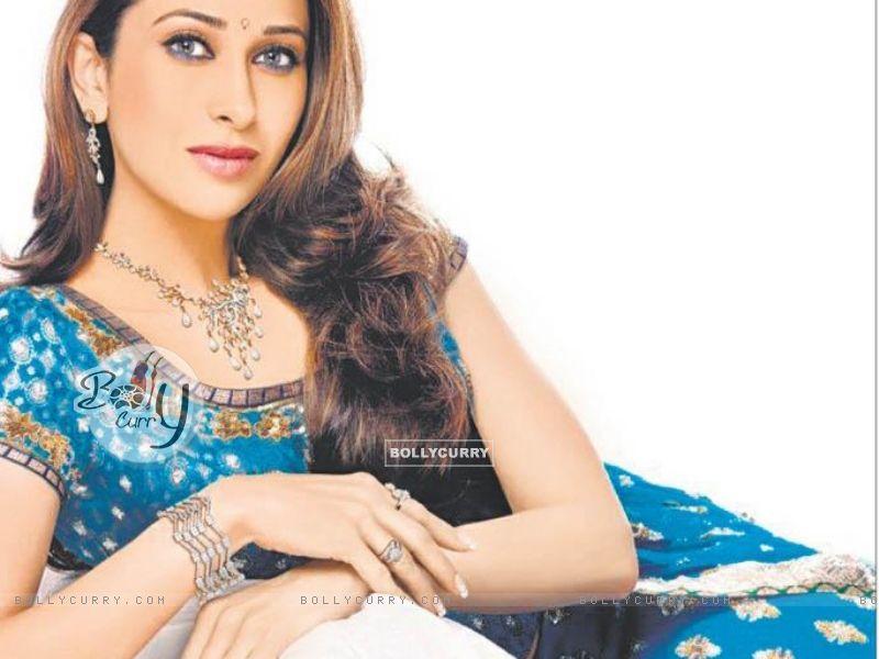 Karishma Kapoor (30916) size:800x600
