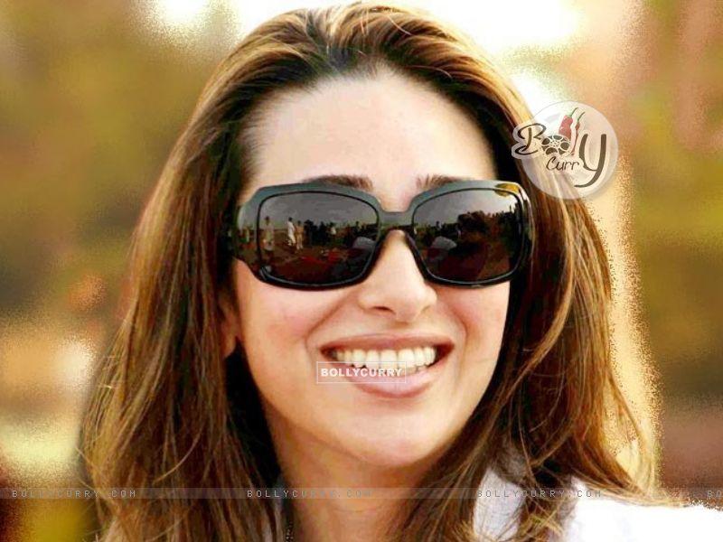 Karishma Kapoor (31290) size:800x600