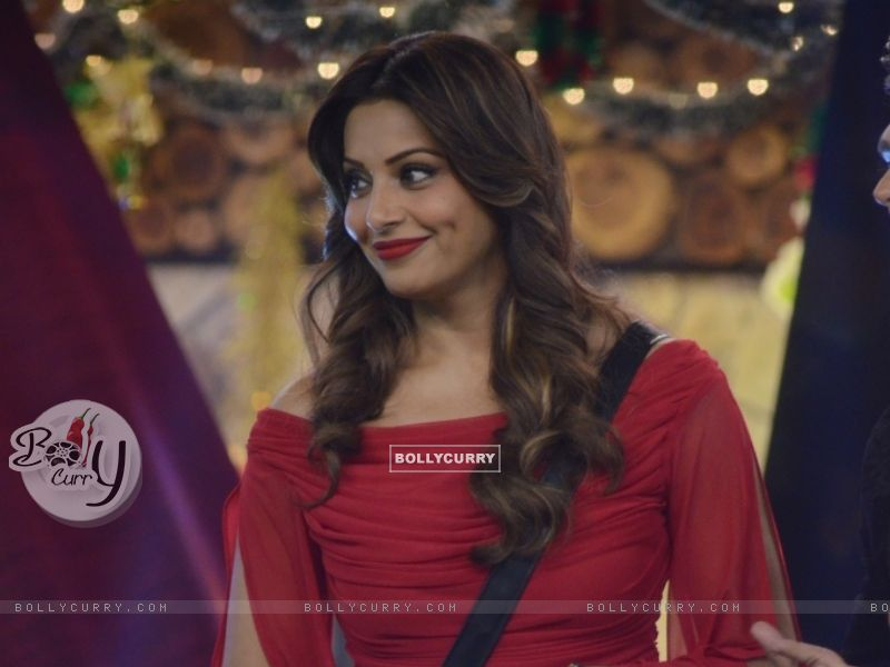 Promotions of Alone at Bigg Boss 8 (350205) size:800x600