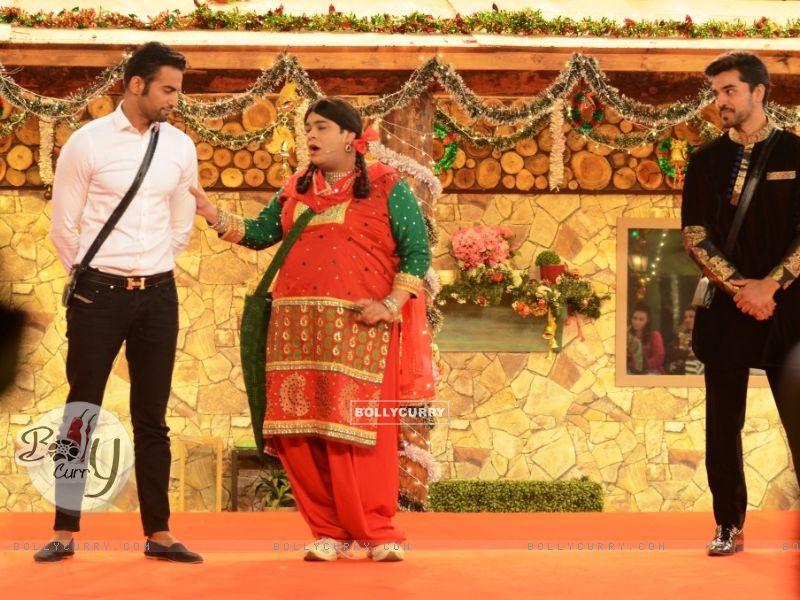 Kiku Sharda aka Palak performs an act inside Bigg Boss 8 House (350330) size:800x600