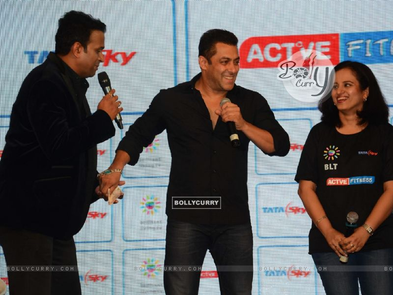Siddharth Kannan Lends Rs. 150 to Salman Khan for Channel Subscription (383227) size:800x600