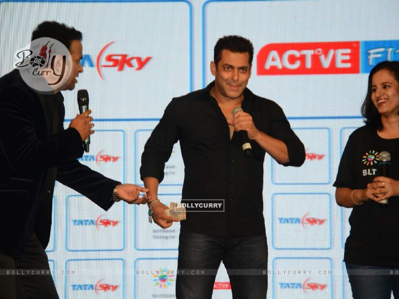 Siddharth Kannan Lends Rs. 150 to Salman Khan for Channel Subscription (383228) size:800x600
