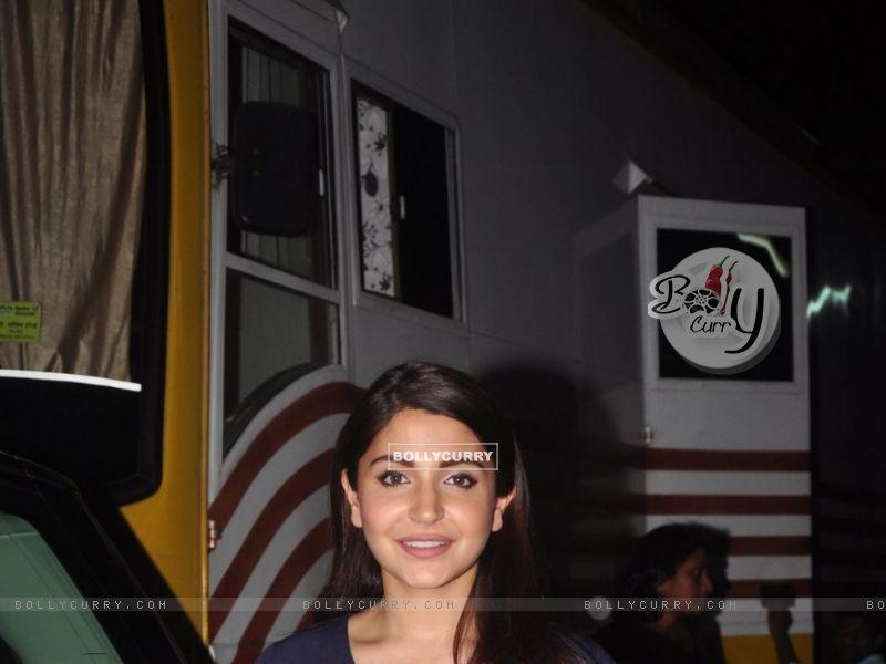 Anushka Sharma (383943) size:800x600