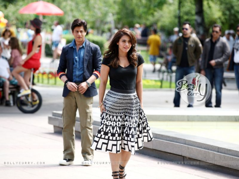 Shahrukh & Kajol in the movie Dilwale (383978) size:800x600