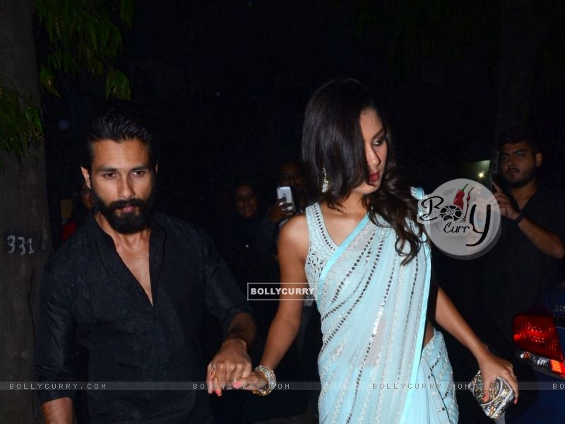 Shahid Kapoor and Mira Rajput Kapoor Snapped (384442) size:800x600