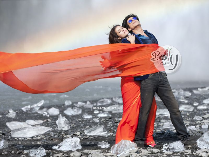 Shahrukh Khan and Kajol in the song Gerua (384839) size:800x600