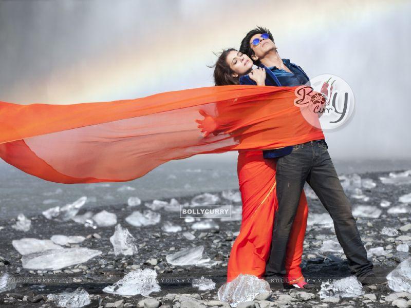 Shahrukh Khan and Kajol in the song Gerua (384839) size:800x600