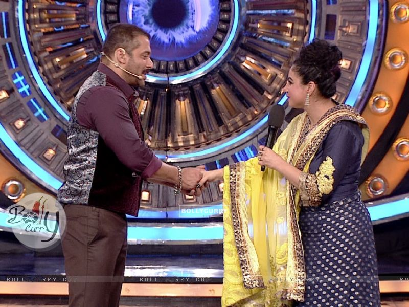 Priya Malik Enters Bigg Boss 9- Double Trouble (385403) size:800x600