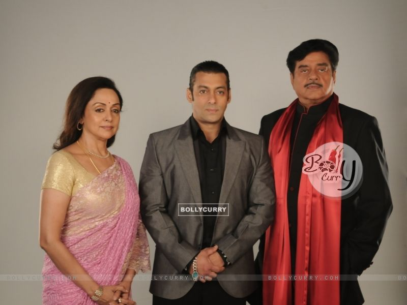 Salman Khan with Hema Malini and Shatrughan Sinha (38558) size:800x600