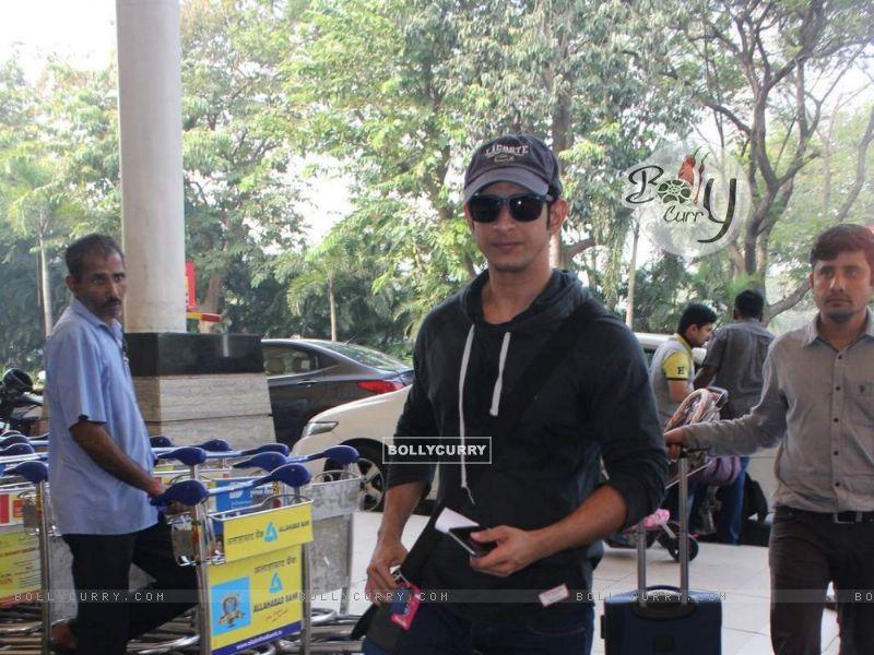 Sharman Joshi snapped at Airport (385984) size:800x600