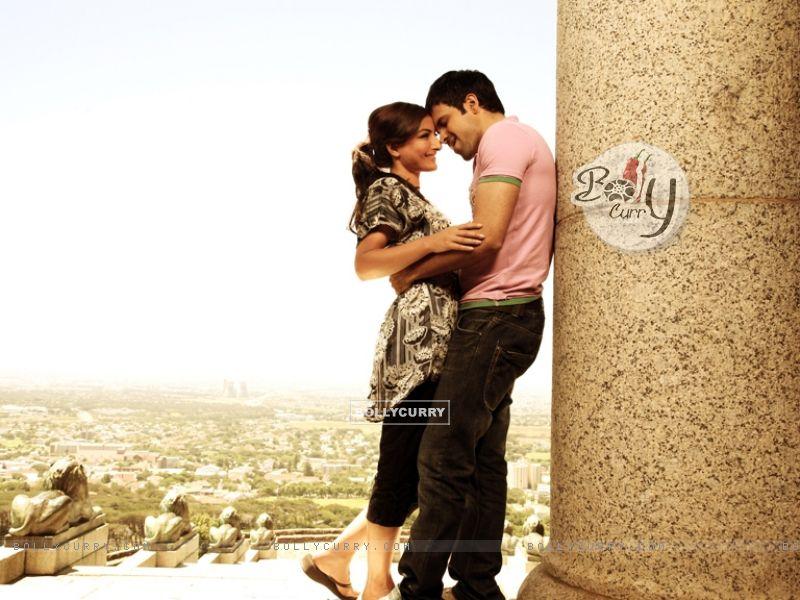 Romantic scene of Emraan Hashmi and Soha Ali Khan (38610) size:800x600