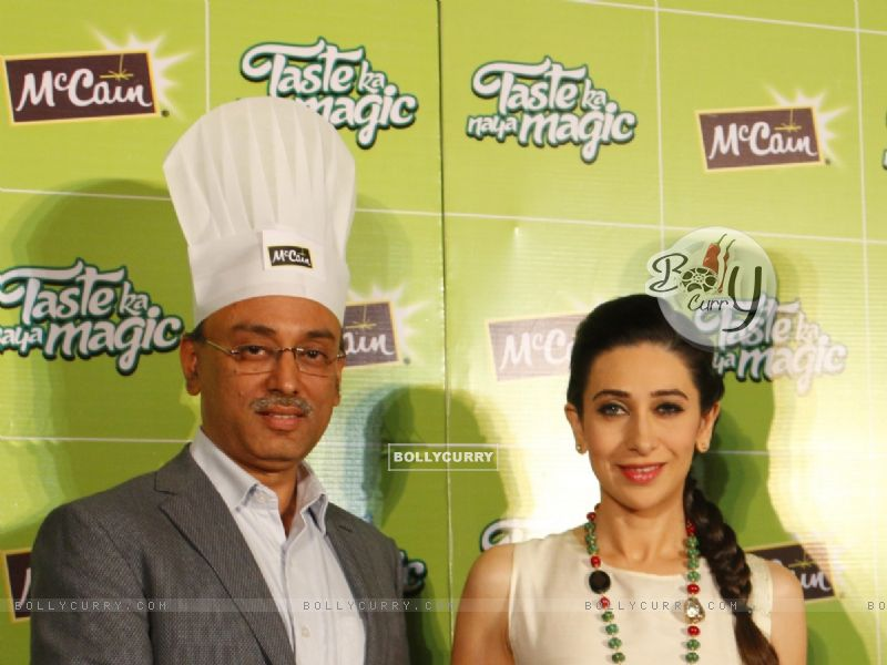 Karisma Kapoor at Launch of McCain Food Products (386575) size:800x600