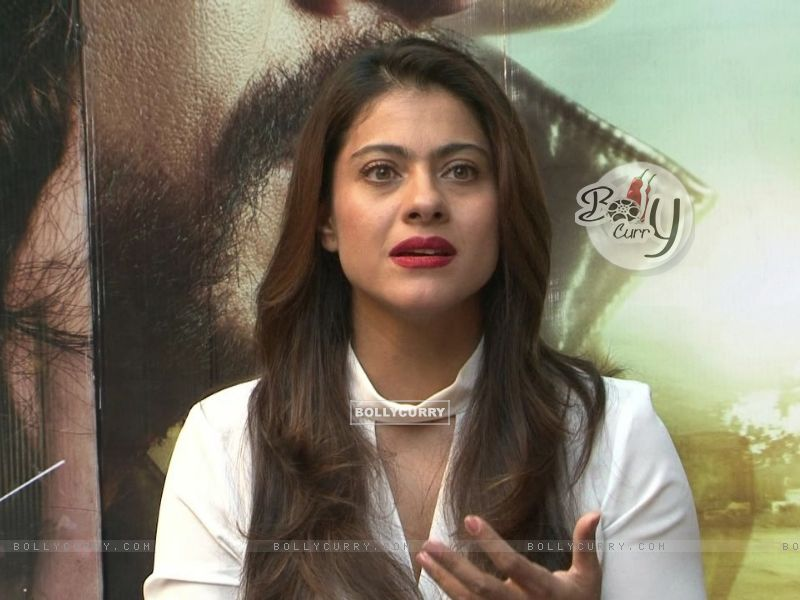 Kajol Snapped During 'Dilwale' Interview (387356) size:800x600