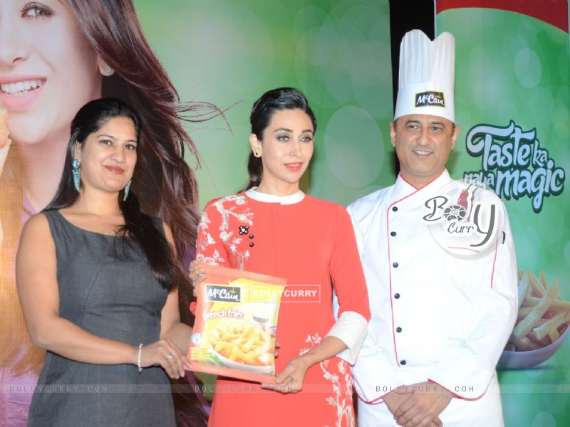 Karisma Kapoor Sees Tomorrow's Moms Enjoying More Snacking Occasion with McCain (388012) size:800x600