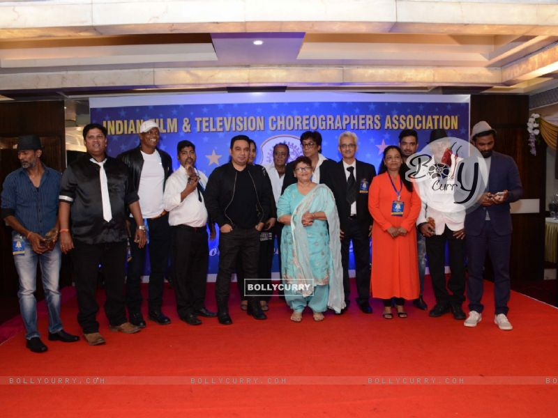 Saroj Khan, Remo Dsouza and Ahmad Khan at an Award Ceremony for inspiring the youth (392769) size:800x600