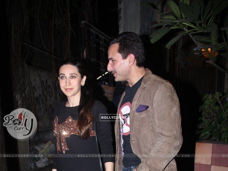 Karisma Kapoor Snapped with Saif Ali Khan (393375) size:800x600