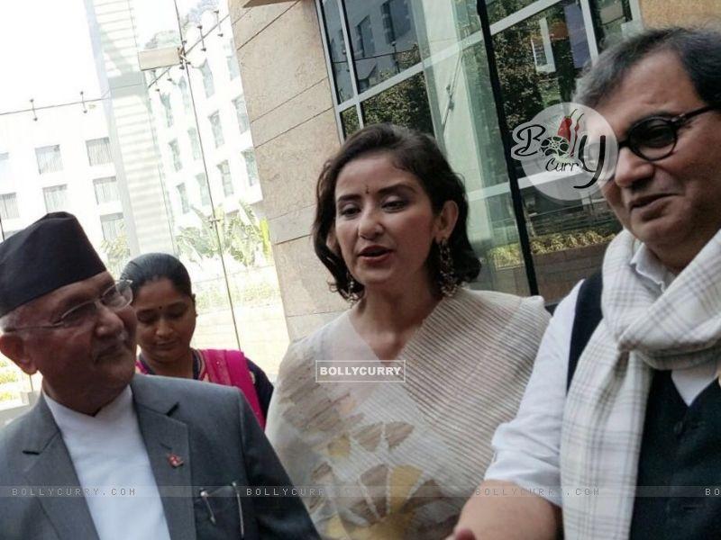 Subhash Ghai with Manisha Koirala meets Nepal PM (397942) size:800x600
