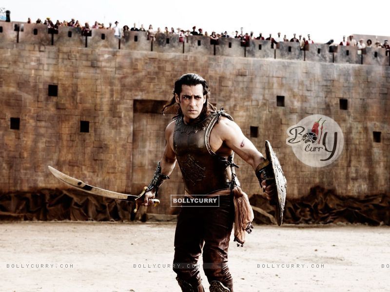 Salman Khan with sword and shield (39863) size:800x600