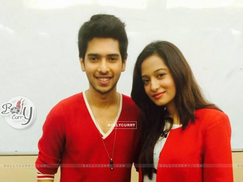 Preetika Rao with Armaan Mallik judging a singing competition (400714) size:800x600