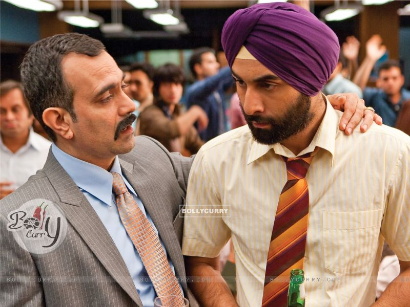 Ranbir Kapoor listening to his boss (40080) size:800x600