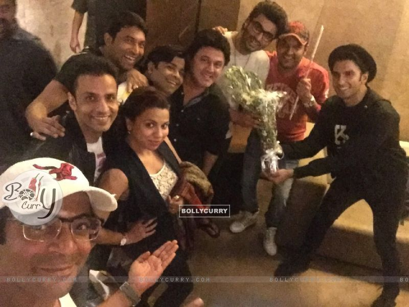 Kapil Sharma Team attends Special Screening of Ki And Ka (401926) size:800x600
