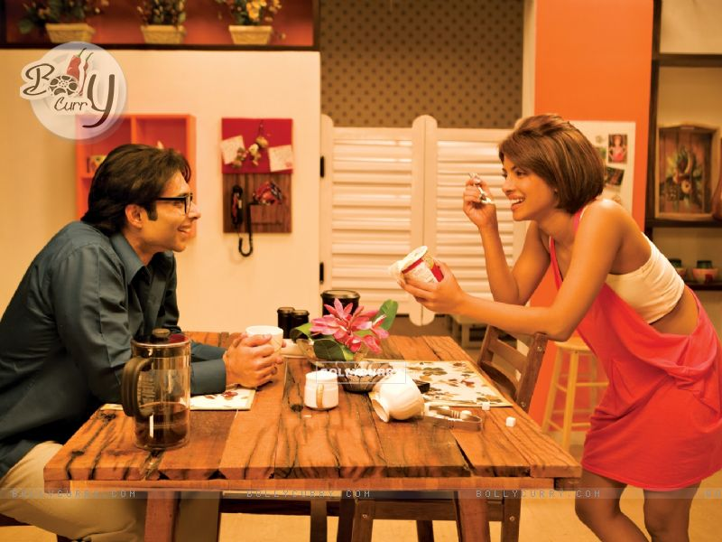 Uday Chopra having coffee with Priyanka Chopra (40381) size:800x600