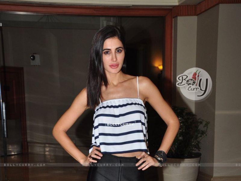 Nargis Fakhri Snapped (404351) size:800x600