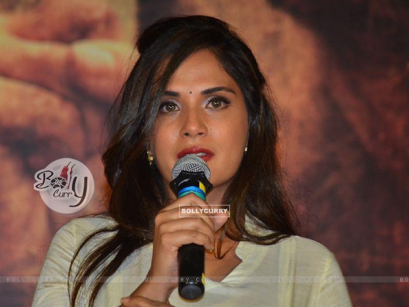 Richa Chadda Pays Homage to Sarabjit (405183) size:800x600